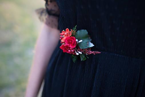 """Kvetinová brošňa """"v lese ukrytá"""""""
