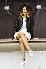 Šaty - Mikinošaty s vreckami biele IO6 - 8691849_