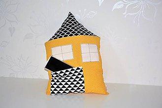 Textil - Vankúš domček (väčší s vreckom) - 8693637_