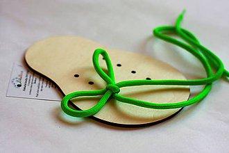 Hračky - Šnurovacie drevené topánočky NA DOTVORENIE - 8694619_