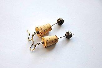 Náušnice - korkové s mosadznou korálkou - 8693586_