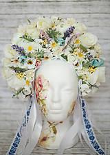 """Ozdoby do vlasov - Kvetinová bohato zdobená ľudová parta """"Sen nevesty"""" v hlavných odtienoch bielo-krémovej - 8696889_"""