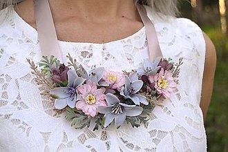 Náhrdelníky - Kvetinový náhrdelník - 8697141_