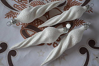Dekorácie - Biele cencúle na stromček - 8707406_