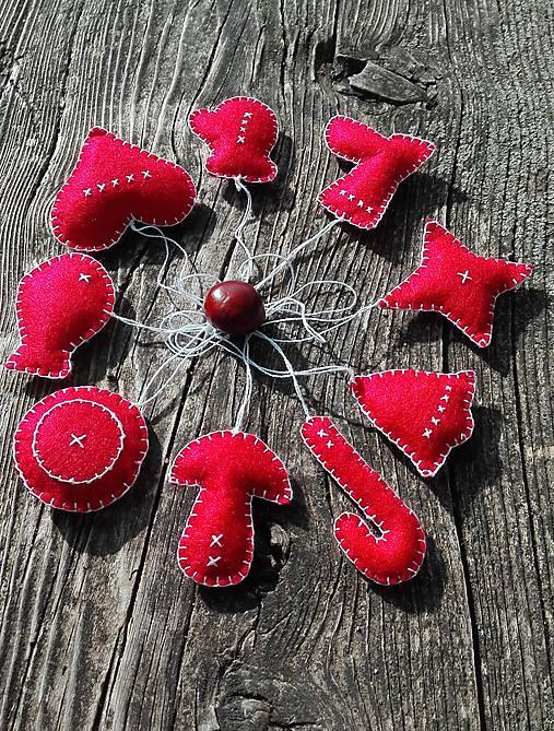 ec190ca05 Vianočné ozdoby z filcu - deväť červených / ykuru - SAShE.sk ...