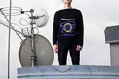 Svetre/Pulóvre - SORT - originální pánský svetr s křivým lemem - 8705853_