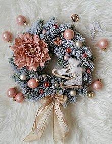 Dekorácie - Vianočný veniec s korčuľami - 8712741_