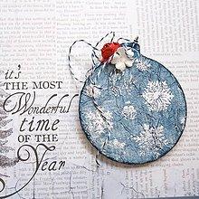 Dekorácie - Ozdoby na stromček so snehovými vločkami a kvetmi (bielo-modro-červené) - 8714739_