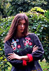 Kabáty - Bundička s bohatou výšivkou fauny a flóry - 8720036_