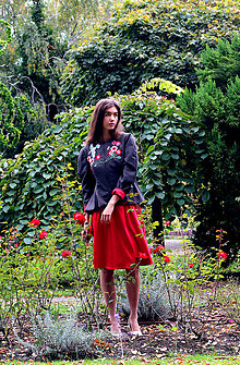 Kabáty - Bundička s bohatou výšivkou fauny a flóry - zľava - 8720035_