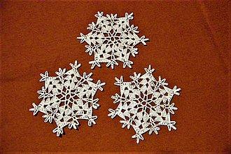 Dekorácie - Háčkované vianočné hviezdičky - 8723363_