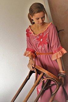 Šaty - Pohodlné originálne oversized šaty z bavlneného úpletu s aplikáciou kvetov. - 8725927_