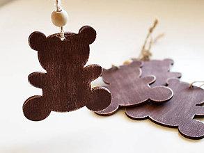 Dekorácie - Drevená vianočná ozdoba macko - 8726571_