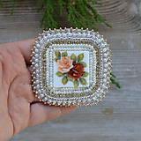 Odznaky/Brošne - Vintage rose - vyšívaná brož - 8727252_