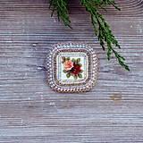 Odznaky/Brošne - Vintage rose - vyšívaná brož - 8727264_