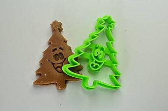 Pomôcky - Vykrajovačka Vianočný stromček 2 - 8726337_