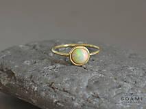 14k zlatý prsteň s prírodným Etiopským opálom