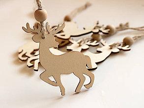 Dekorácie - Drevená vianočná ozdoba jelenček - 8730412_