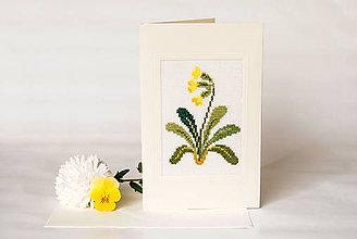 """Papiernictvo - Vyšívaná kvetinová pohľadnica """"Prvosienka jarná"""" - 8732697_"""
