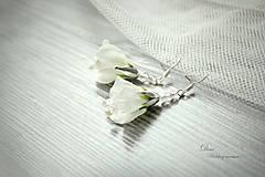 Náušnice - Kvetované náušničky s perličkami a kryštálikmi - 8731053_
