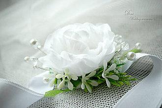 Náramky - Kvetovaný náramok s perličkami a kryštálikmi - 8733082_
