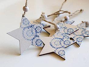 Dekorácie - Drevená vianočná ozdoba hviezda modrá - 8735882_