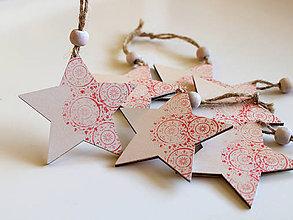 Dekorácie - Drevená vianočná ozdoba hviezda červená - 8735899_