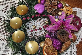 Svietidlá a sviečky - Adventný venček tradičný fialový - 8735690_