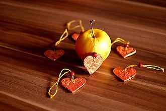 Dekorácie - Vianočné ozdoby-čipkované srdiečka a hviezdičky - 8735295_