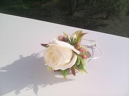 Kvetinový náramok