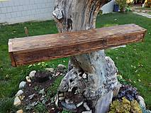 Polica so starého dreva
