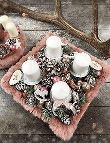 Dekorácie - Vianočný Kožušinový svietnik 34 x 34 cm  - 8736414_