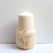 Svietidlá a sviečky - Svietnik (100% ovčia vlna) s dreveným sobom - 8740599_