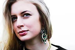 Náušnice - Golden Emerald - sutaškové náušnice - 8743357_