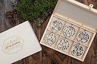 Dekorácie - Vianočné ozdoby z dreva - KOLEKCIA MERRY CHRISTMAS - 8744117_