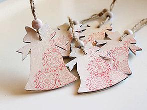 Dekorácie - Drevená vianočná ozdoba zvonček červený - 8748257_
