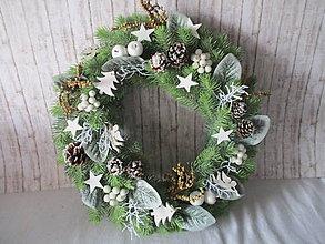 Dekorácie - Vianočný veniec - 8745035_