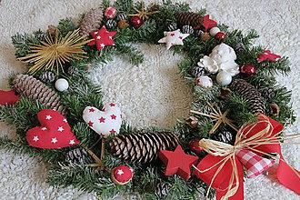 Dekorácie - vianocny maxiveniec zasnezeny - 8747309_