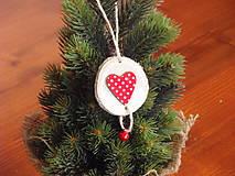 - Ozdoba na stromček so srdcom s roľničkou - 8744425_