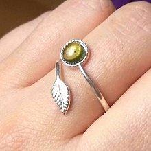 Prstene - Simple Leaf Silver Gemstone Ring Ag925 / Strieborný prsteň s minerálom #0436 (Peridot / Olivín) - 8752304_