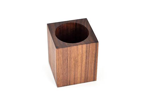 WALNUT OBJECT /soľnička z orechového dreva/ (Pre špáratká)
