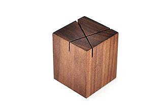 Nádoby - WALNUT OBJECT /soľnička z orechového dreva/ (Prekrížené zárezy) - 8755152_