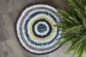 Úžitkový textil - Malý farebný háčkovaný okrúhly RECY koberček :) - 8750503_