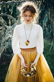 Náhrdelníky - Kvetinový náhrdelník na retiazke