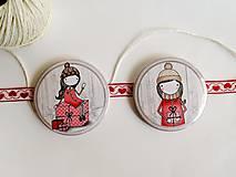 Odznaky/Brošne - Len ja a môj svet - vianočné odznaky  (dievčatko držiace darček) - 8751232_