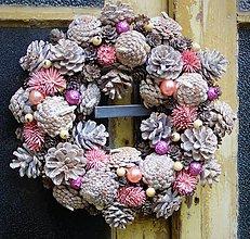 Dekorácie - Růžovosmetanový trvanlivý vianočný - 8759456_