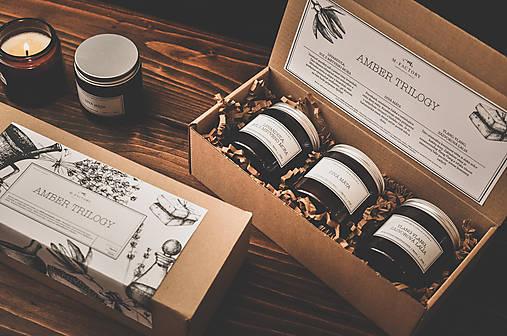 Svietidlá a sviečky - Amber Trilogy - Darčekové balenie vonných sviečok - 8758461_