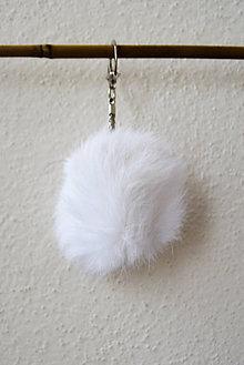 Kľúčenky - Fur... kožušinka... prívesok (biela) - 8759779_