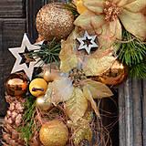 Dekorácie - Vianočný venček zo smrekových šišiek - 8758217_