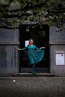 Šaty - Úpletové šaty BREA, tmavší mentolové - 8761609_